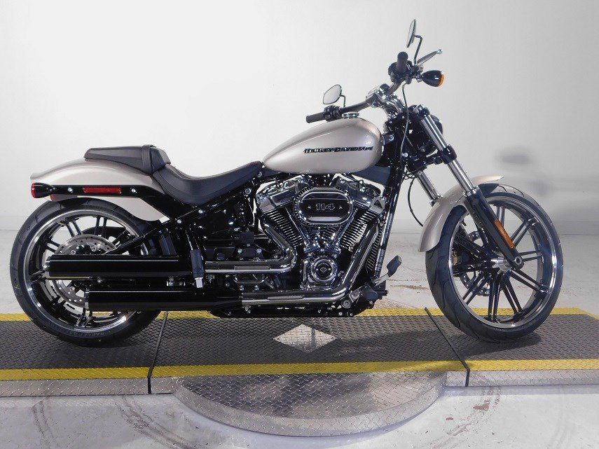 new 2018 harley davidson softail breakout 114 fxbrs softail in taylor 18fxbrssil motown. Black Bedroom Furniture Sets. Home Design Ideas