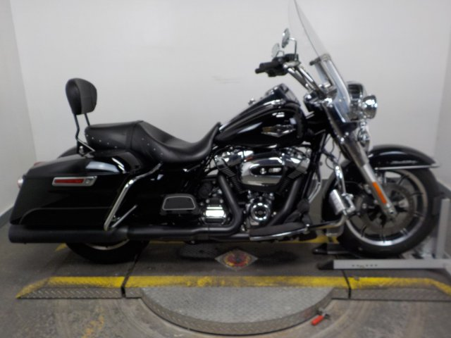 Pre-Owned 2017 Harley-Davidson Road King FLHR Touring in Taylor
