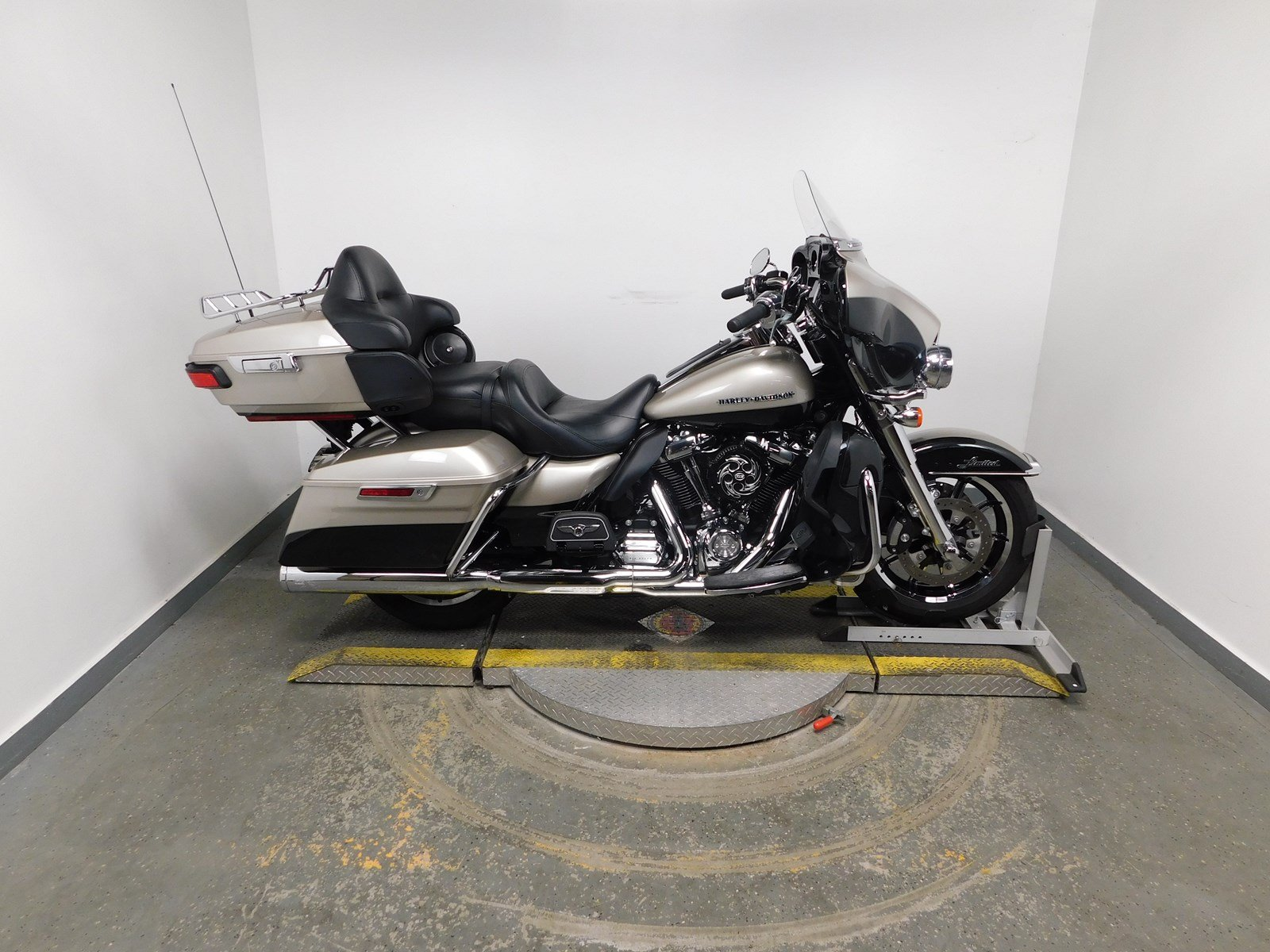 Pre-Owned 2018 Harley-Davidson Ultra Limited FLHTK Touring