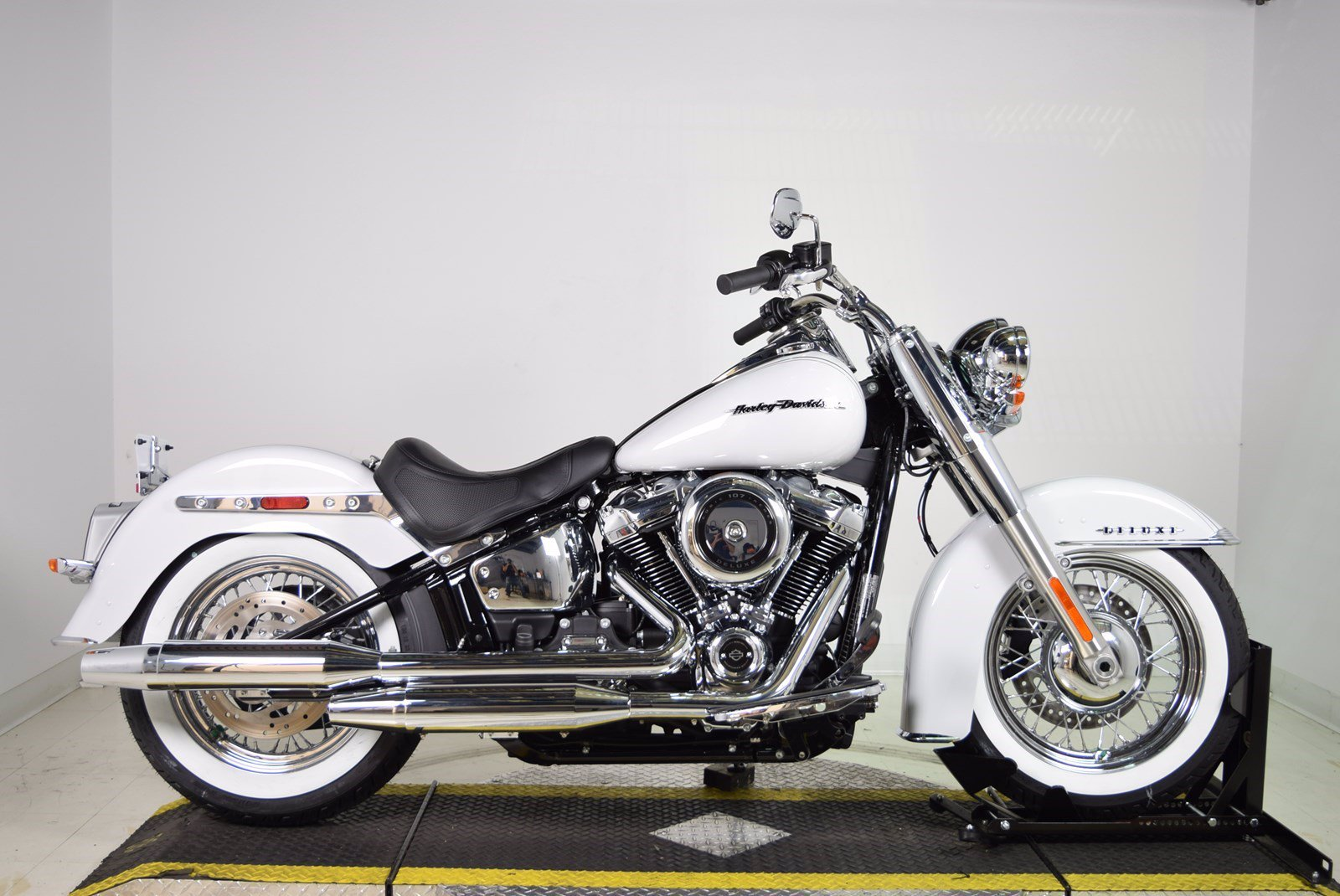 Harley Davidson Softail Deluxe >> New 2020 Harley Davidson Softail Deluxe Flde Softail In