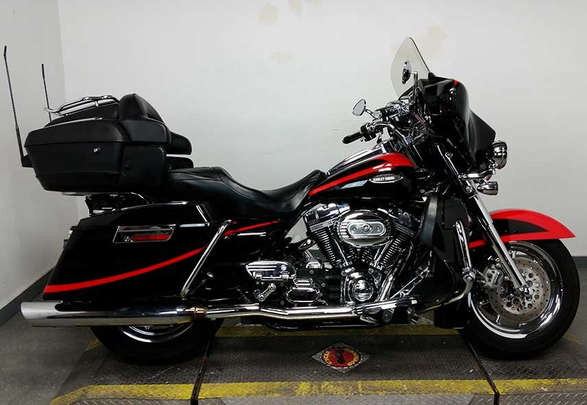 Pre-Owned 2007 Harley-Davidson Electra Glide Ultra Classic CVO FLHTCUSE