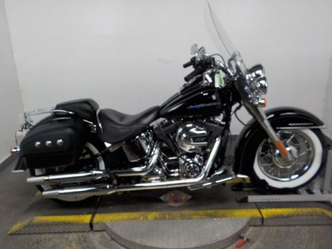Pre-Owned 2017 Harley-Davidson Softail Deluxe FLSTN