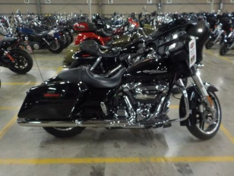 Pre-Owned 2017 Harley-Davidson Street Glide FLHX Touring