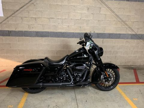 Pre-Owned 2017 Harley-Davidson Road King Special FLHRXS Touring