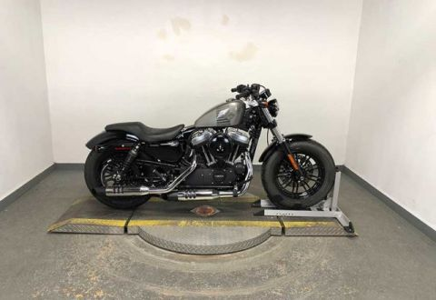 Pre-Owned 2016 Harley-Davidson Sportster Iron 883 XL883N Sportster